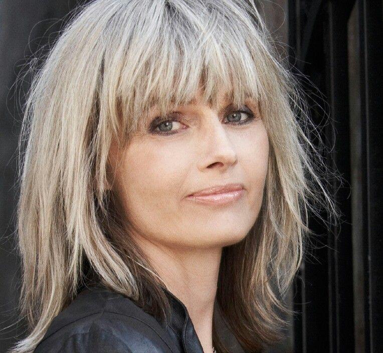 Elsebeth Egholm | Gray Hair-- Don't Care in 2019 | Peinados, Canas, Envejecimiento