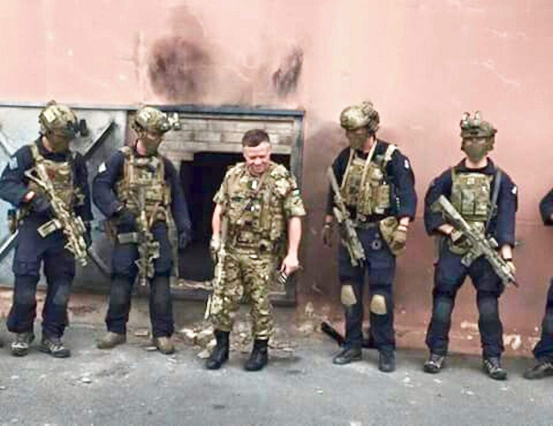 A King that trains  King Abdullah II of Jordan together with SAS