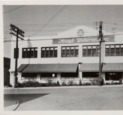 The Family Acquired The Old Star Bakery Plant At 1519 Lakeview Rd In May 1941 For Its Operations And 4 Years Later Cleveland Cleveland Ohio The Buckeye State