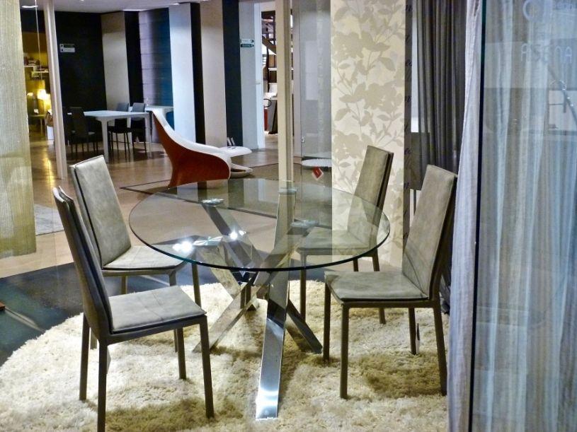 Tavolo Shangai di RIFLESSI Tavolo in vetro con gambe inclinate e ...