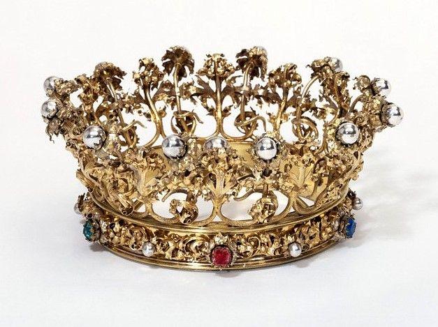 تيجان ملكية  امبراطورية فاخرة 93c7f78c5f2ed0c04579df5b97708c1e