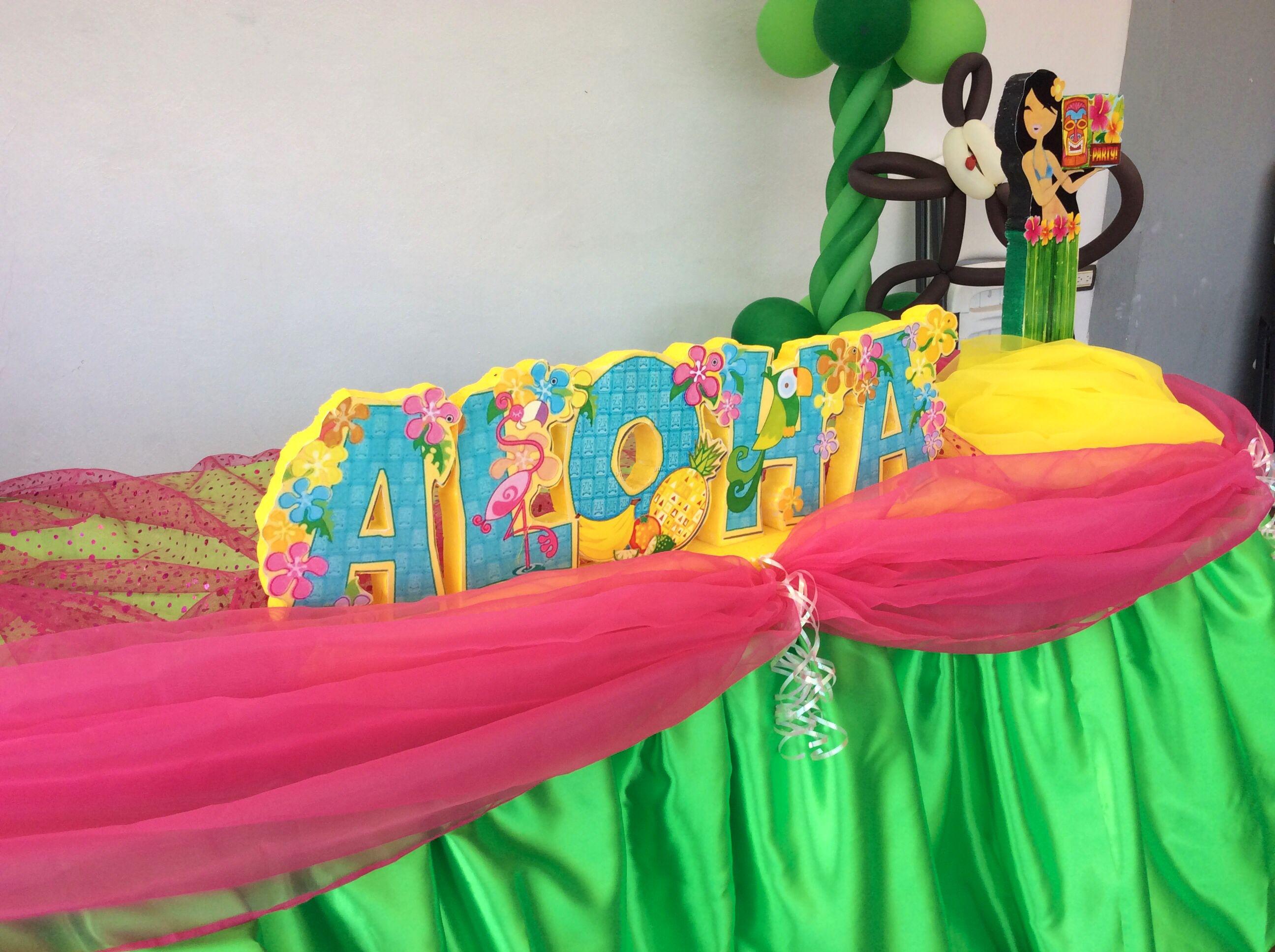 Detalles de la mesa principal fiesta hawaiana por decoraci n eventos norma fiesta hawaiana - Fiesta hawaiana ideas decoracion ...