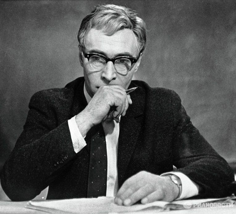 1968 Доживем до понедельника :: Илья Семёнович Мельников ...