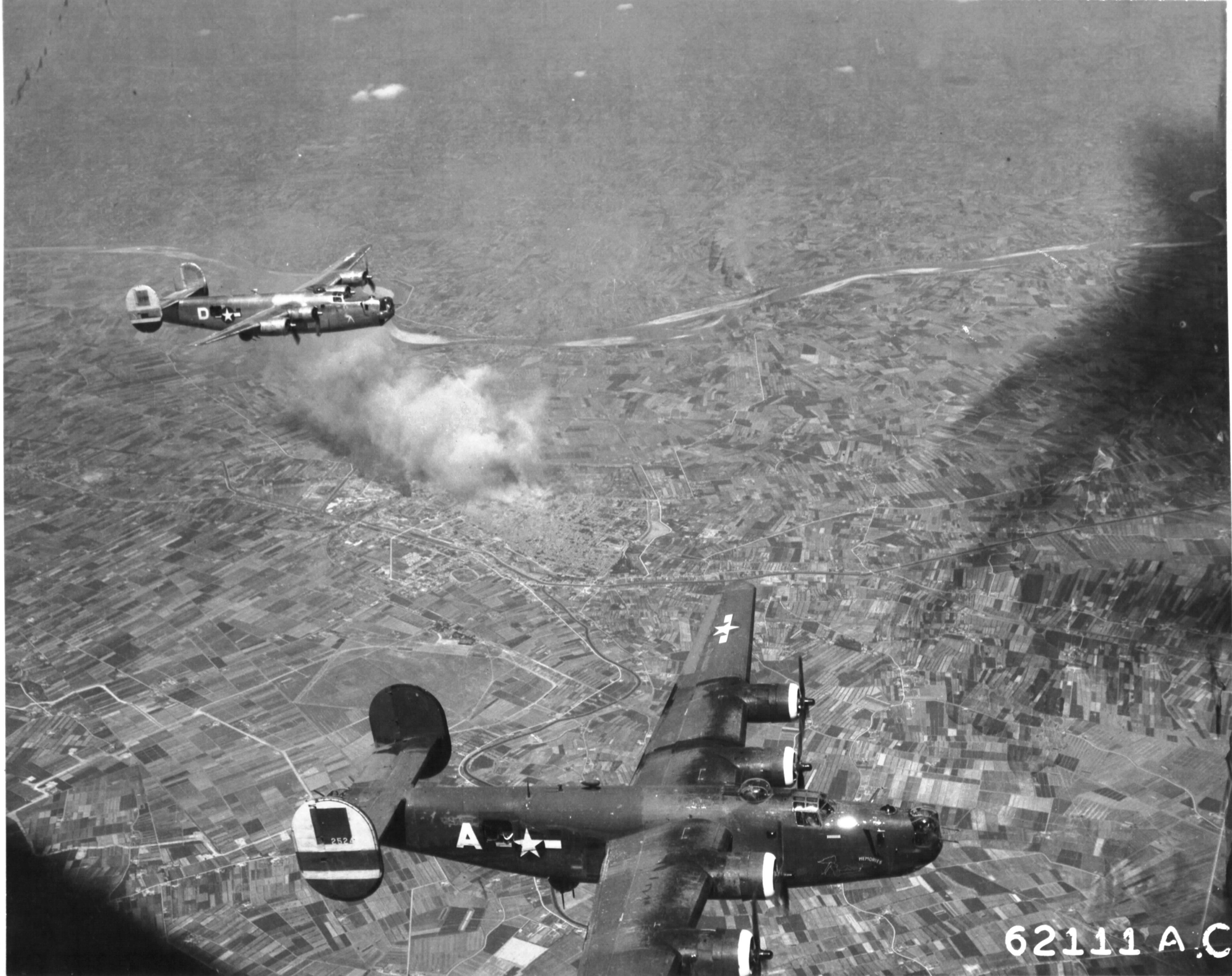 photo b 24 liberator memories of the 465th bomb group over b 24 liberator memories of the 465th bomb group over ferrara italy
