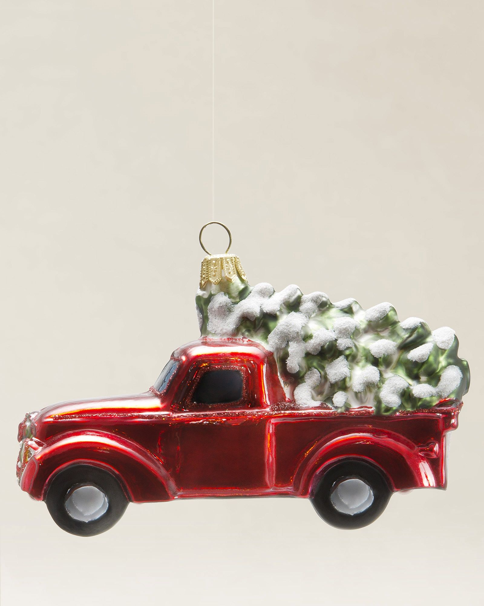 truck with christmas tree blown glass ornament balsam hill christmas weihnachten. Black Bedroom Furniture Sets. Home Design Ideas