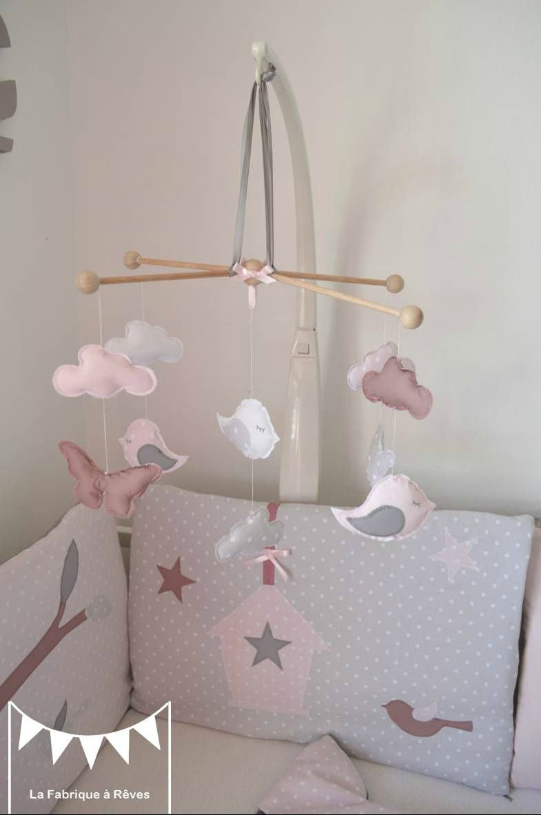 Mobile b b enfant fille rose poudr gris rose ancien - Mobile musical bebe fille ...