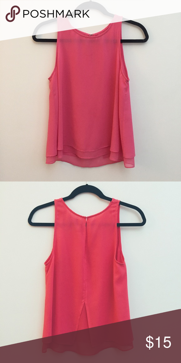 83bb72e774 Pink top Perfect for going out paired with black skinny jeans! Tops Blouses
