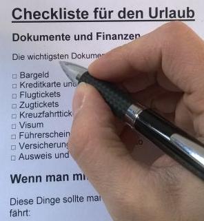 Eine Packliste Checkliste für den nächsten Sommerurlaub