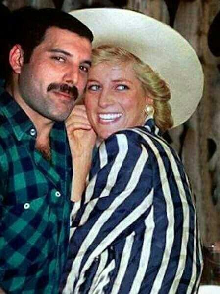 Freddie   Lady Diana  faf41df824