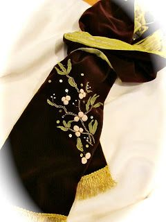 Baroque Embellishments: Mistletoe Scarf That Could Have Been Worn to King Henry VIII's Coronation