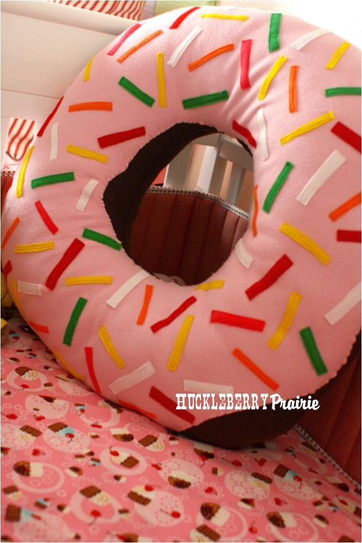Giant Donut Pillow Tutorial Huckleberry Prairie Donut Pillow Pillow Tutorial Giant Donut