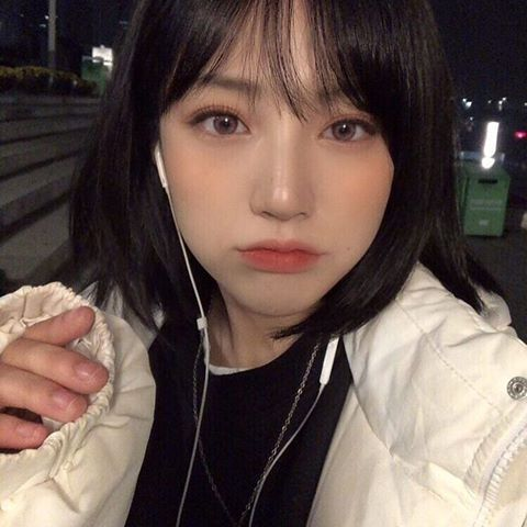 Girls From Asia To Europe Girlsfromasiatoeurope Instagram Photos And Videos Ulzzang Short Hair Girl Short Hair Korean Short Hair