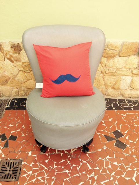 Almofada da coleção Mr. moustache, confere lá! ordemdoartesanato.tanlup.com