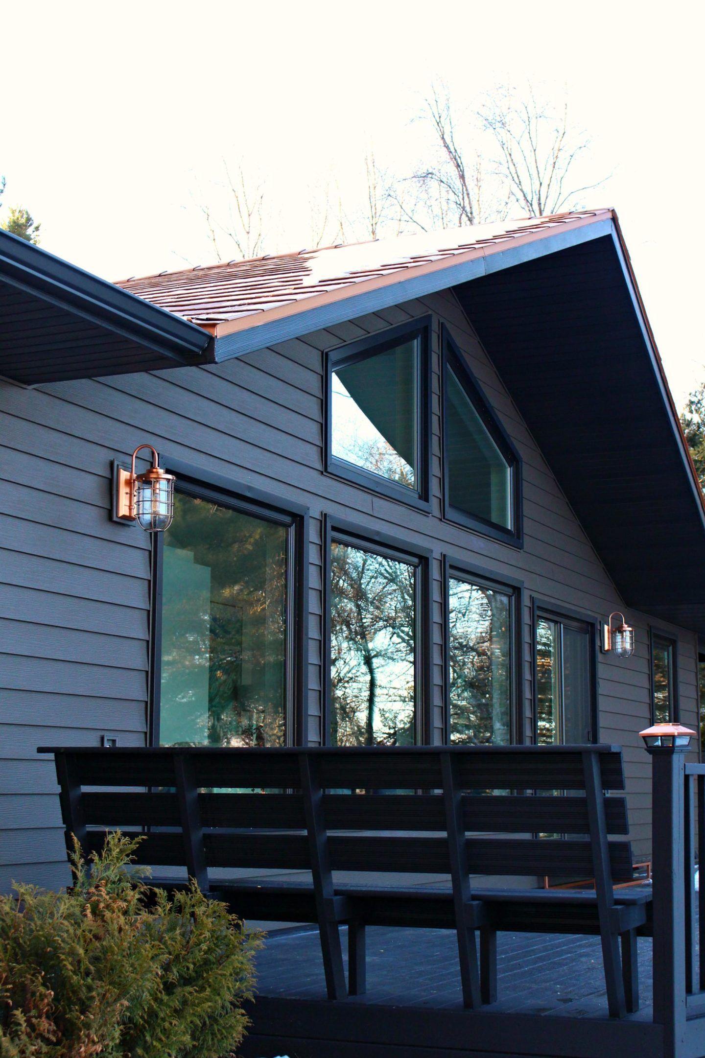 Dark Grey Metal Siding Siding That Sparkles Dans Le Lakehouse Copper Roof House Lake Houses Exterior House Exterior