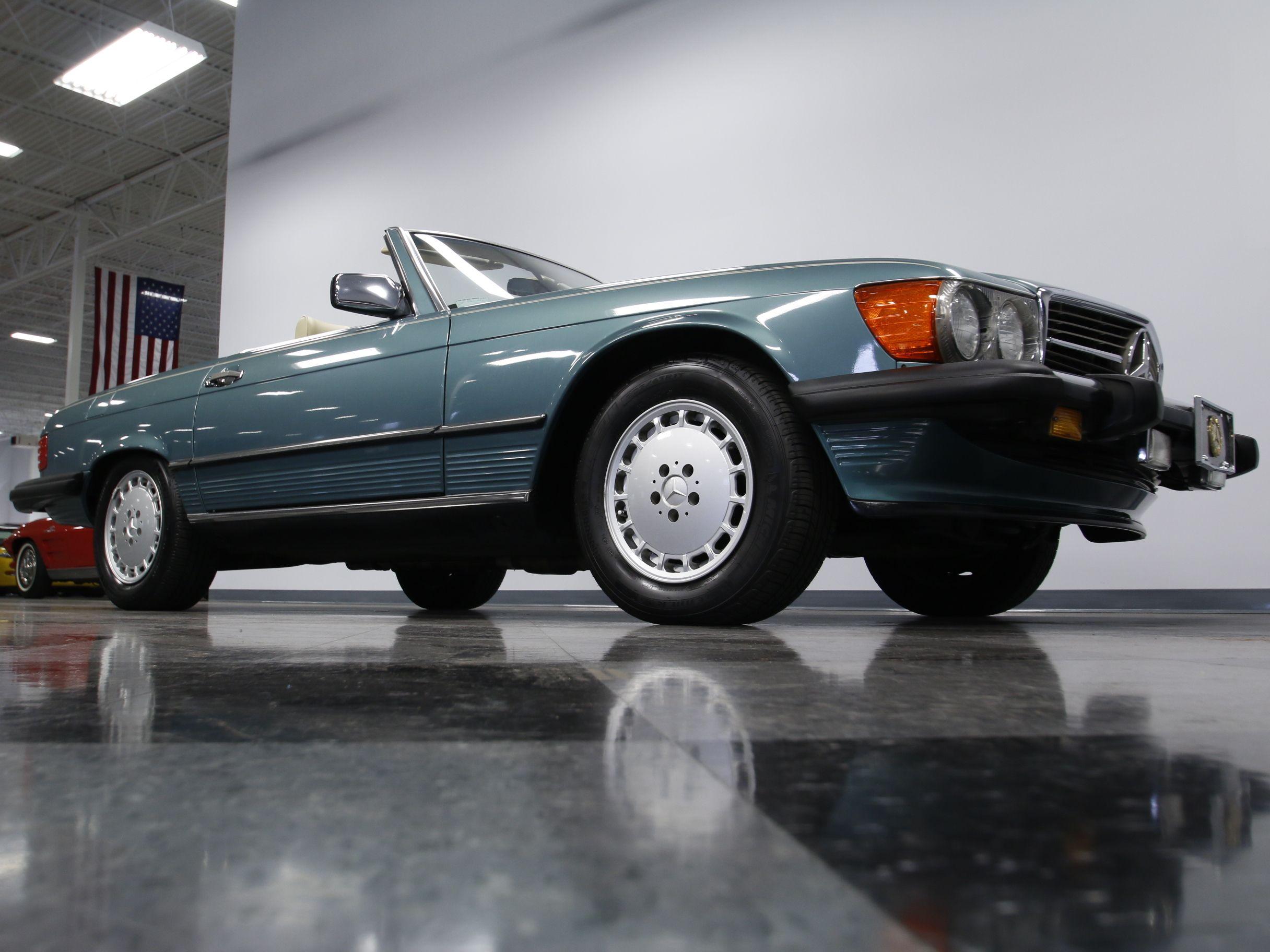 1988 Mercedes-Benz 560SL | Streetside Classics - The Nation\'s Top ...