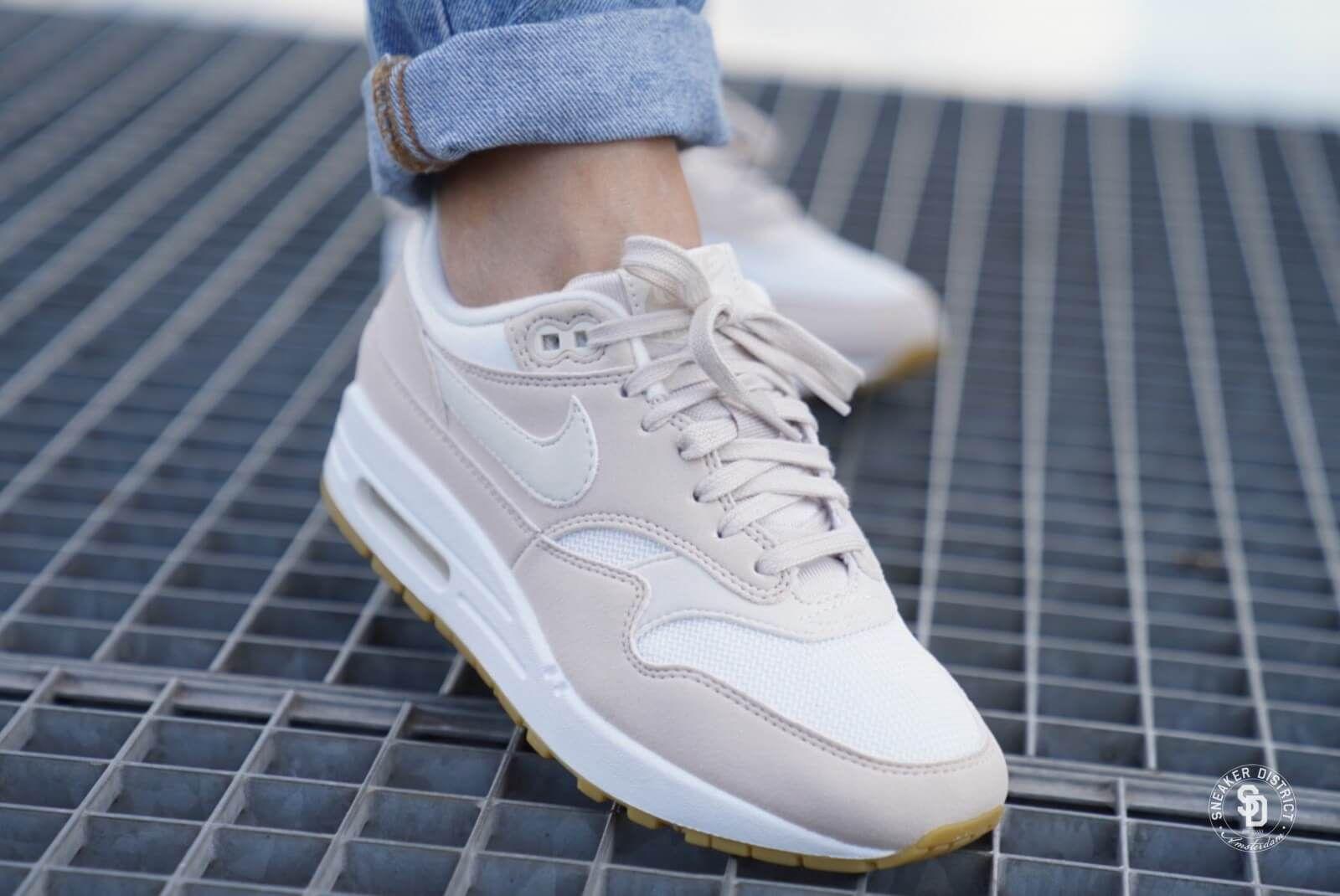 maat 38,5 ;) Nike Women's Air Max 1 Desert SandPhantom