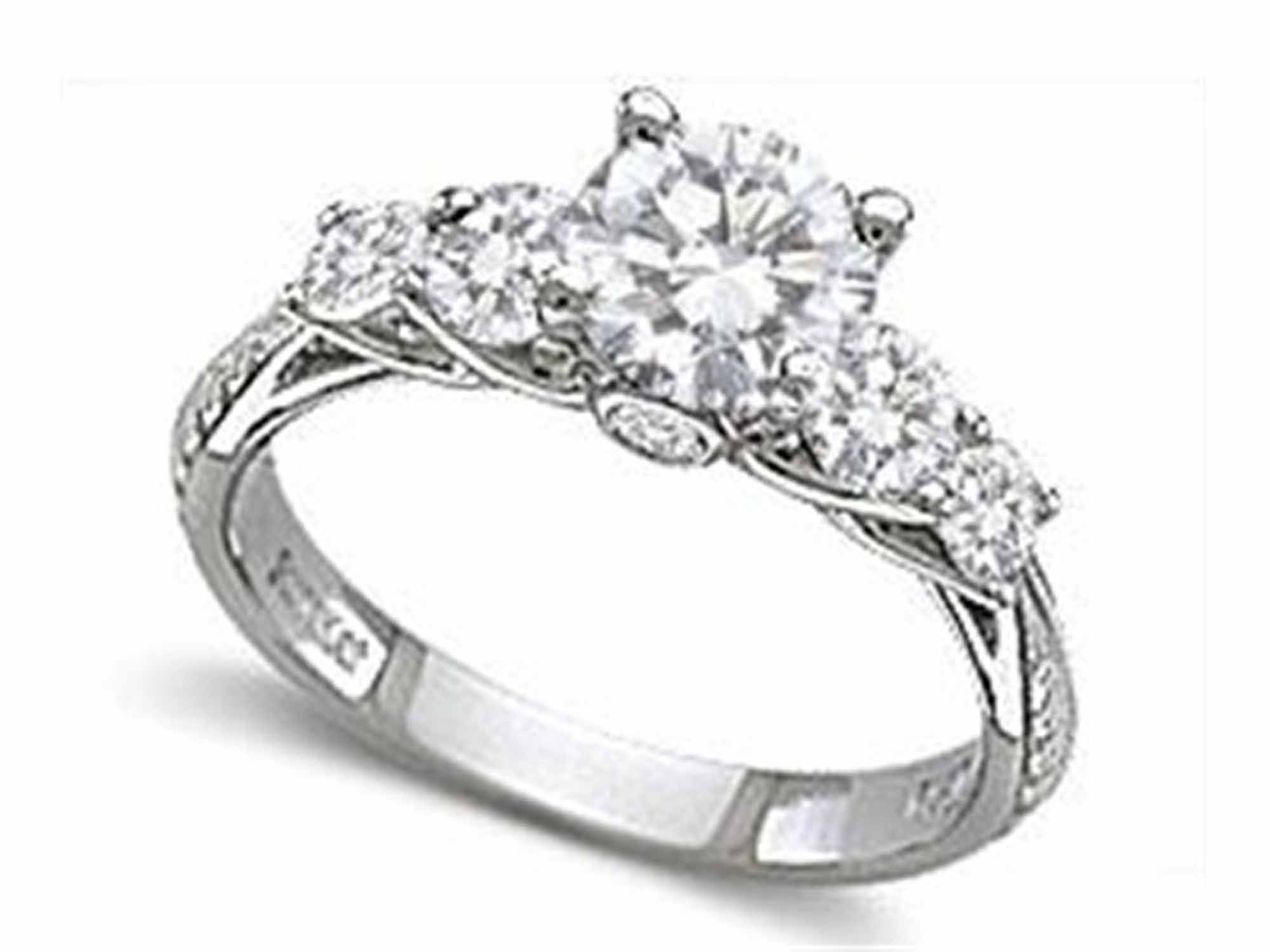 surprise your fiance with diamond engagement ring but how - Girl Wedding Rings