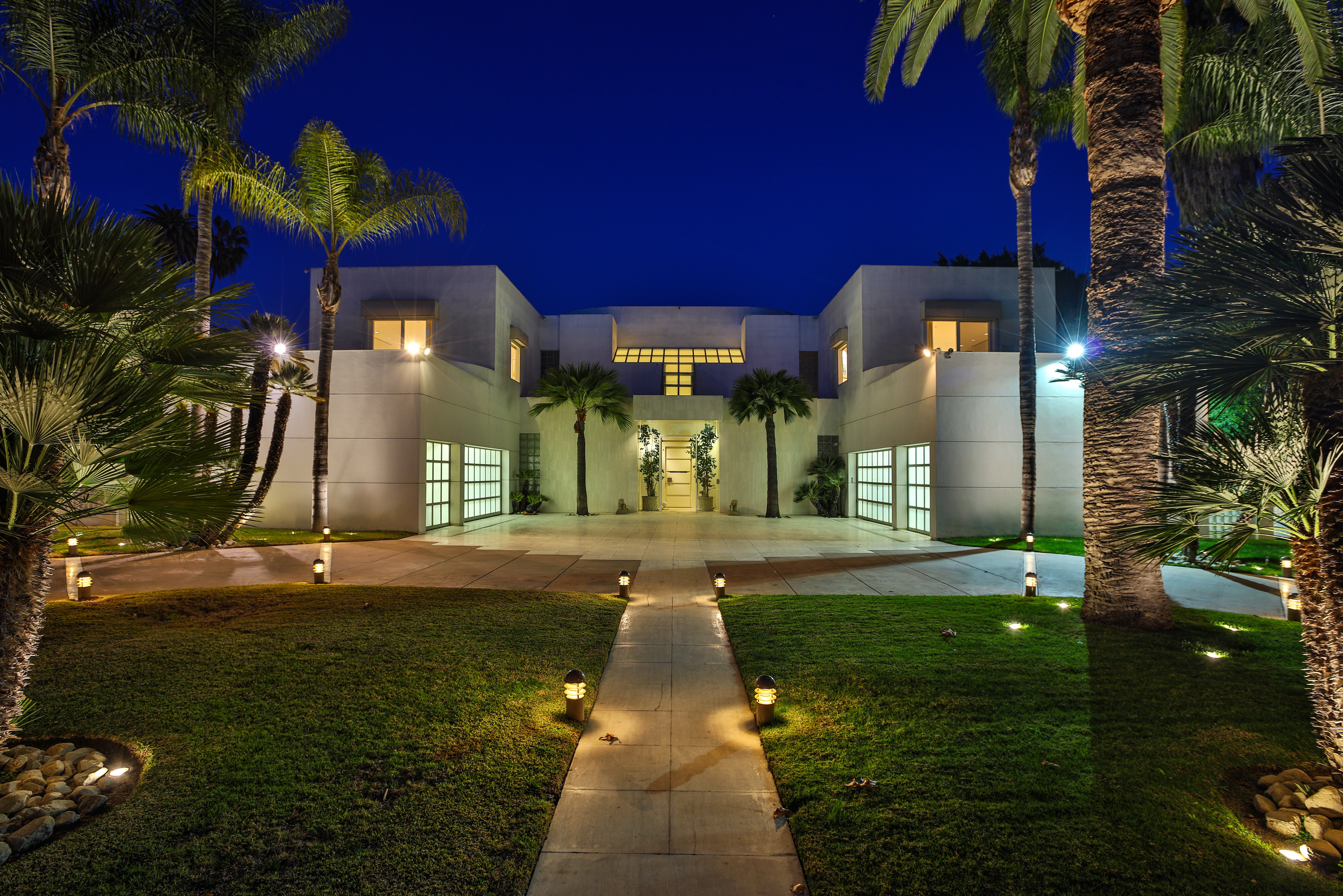 Author Jackie Collins's House in Beverly Hills | Celebrity