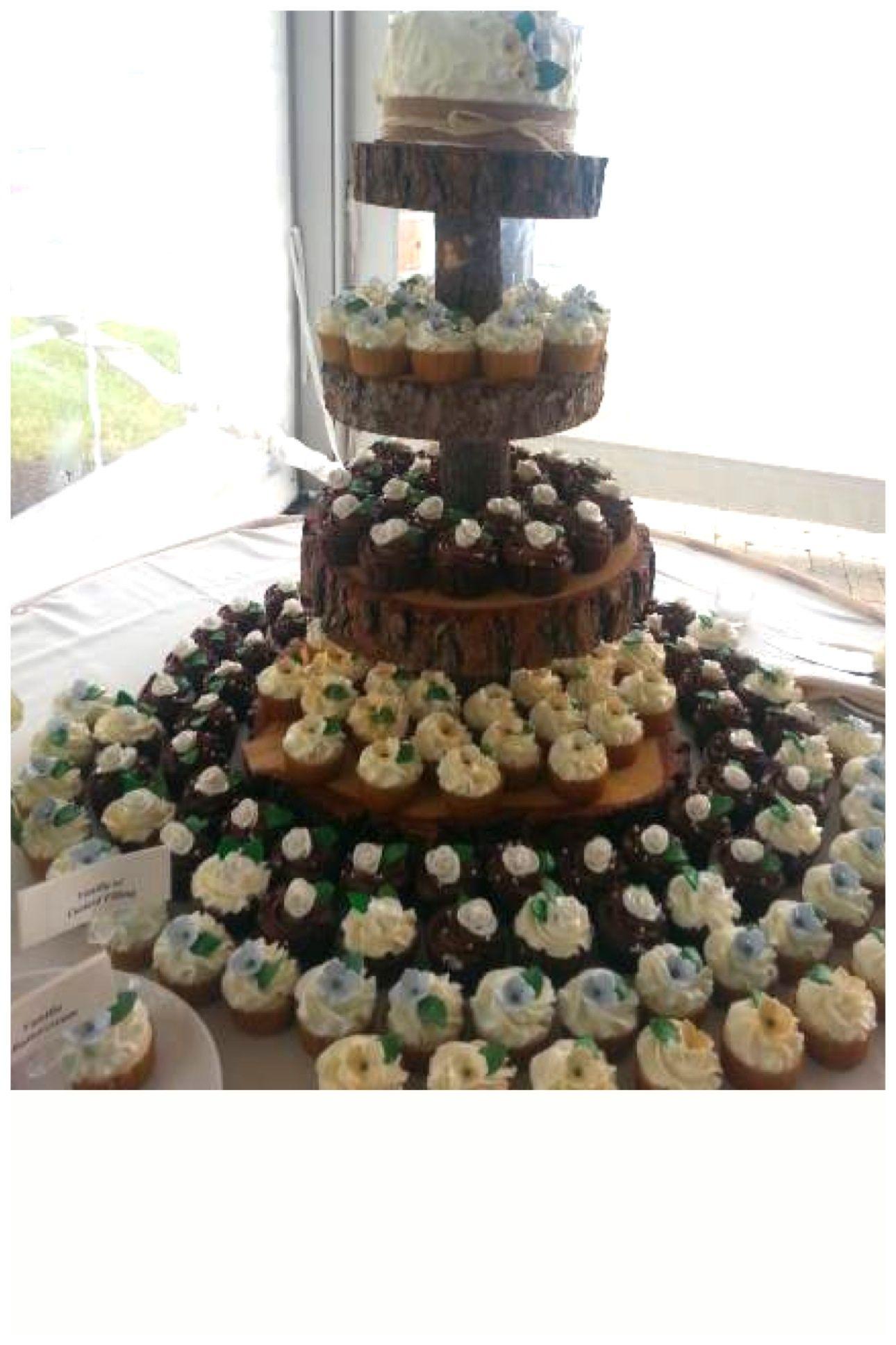 29+ Wedding cupcake tower rustic ideas