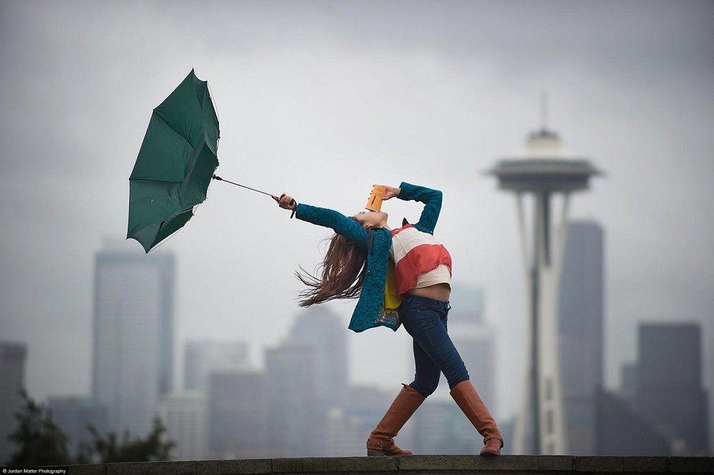Картинка девушка танцует смешно, радостью декупаж