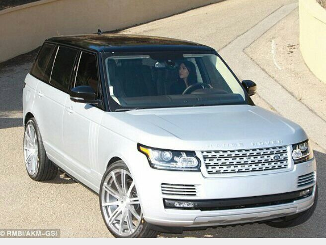 Photo of Silver matte range rover