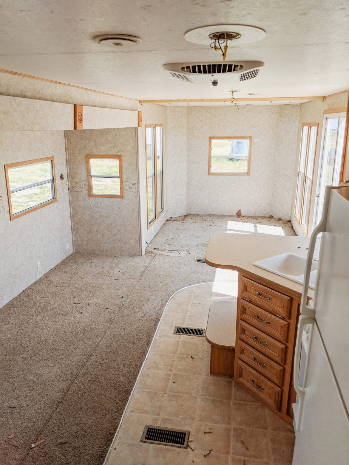 How to Paint RV Walls Paint rv, Rv remodel, Rv renovations