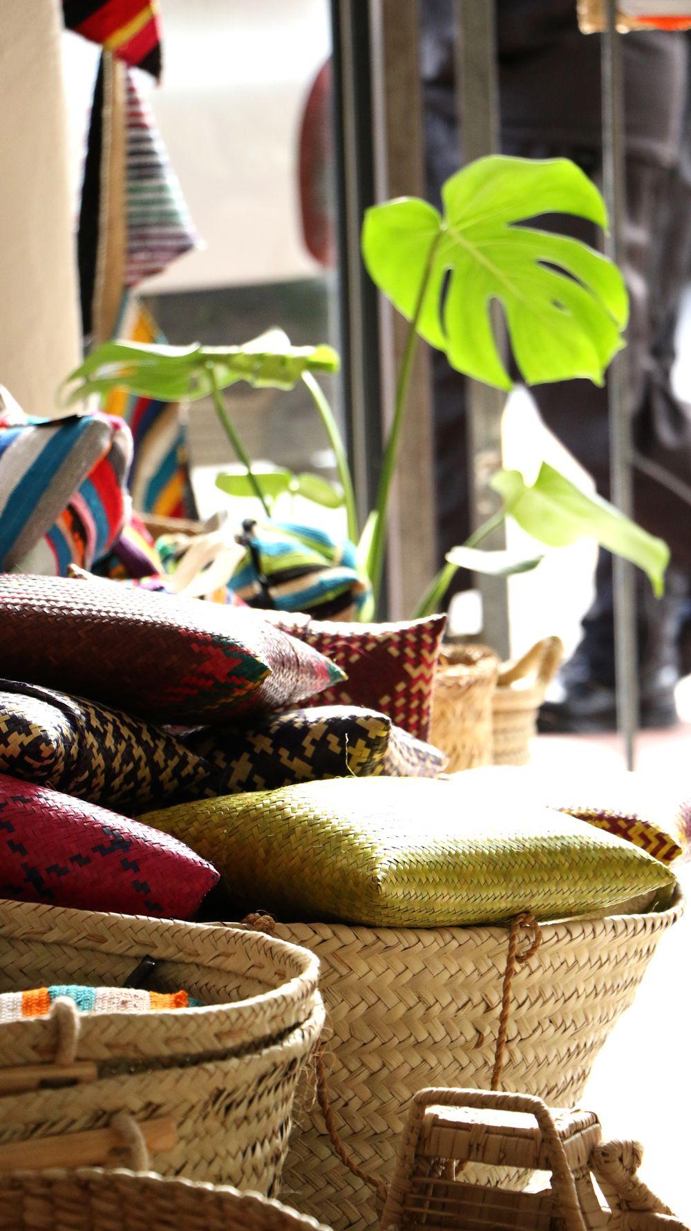 les plus récents clair et distinctif Réduction We are located at 77 Kloof street, Gardens, Cape Town. Come ...