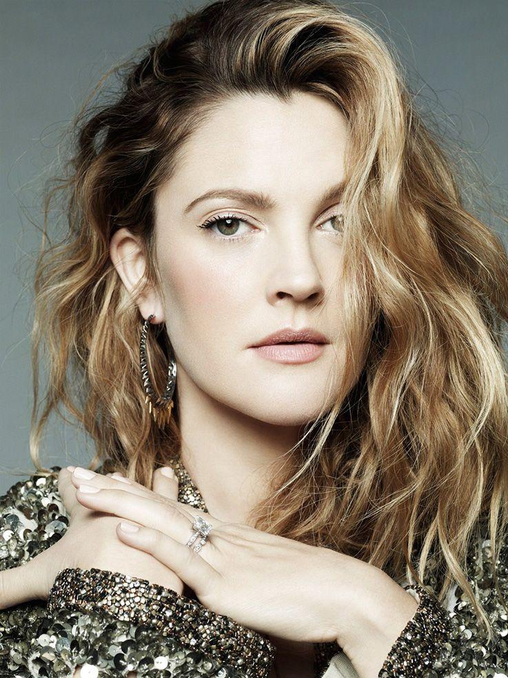 Drew Barrymore looks ike Kate Winslet here, doesnt she? anyway - light and toasted, blended coloring. like mine, very similar, even in eyecolor and pattern...