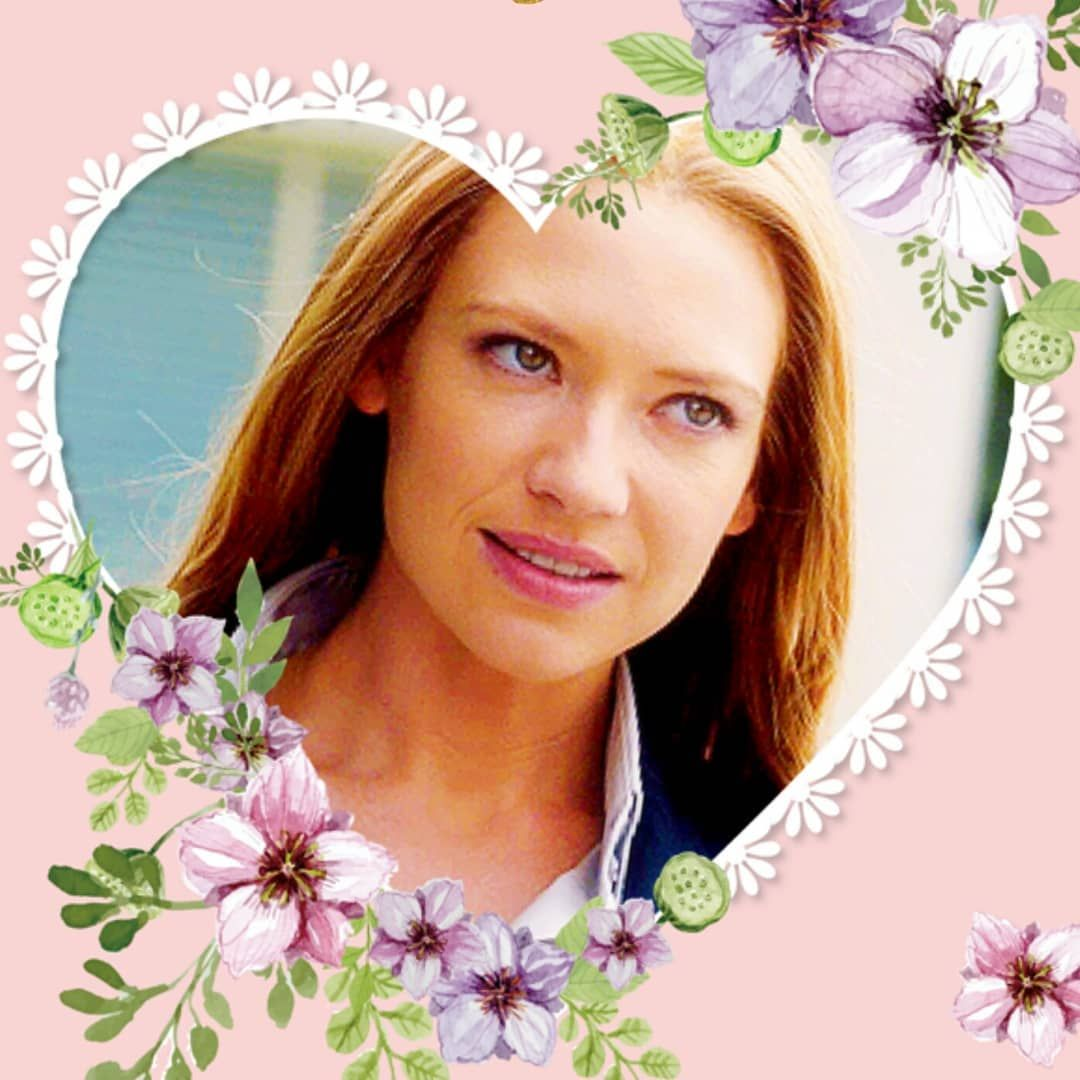 HAPPY BIRTHDAY to this absolute Queen Anna Torv  To Anna: We love you so so much thank you for being the most beautiful person in the world inside and out!!! Wishing you the very best and may you have a wonderful life xoxo  Comment below: in which ways does Anna inspire you or make you happy? Let's bring a smile on her face on this special day  (in case she might be reading our posts how cool would that be?!). ( Frame is from the app pic collage not my art unfortunately )  #annatorv #fringe #oliviadunham #mindhunter #wendycarr #birthdayqueen #happybirthday #lovehertothemoonandback #specialday
