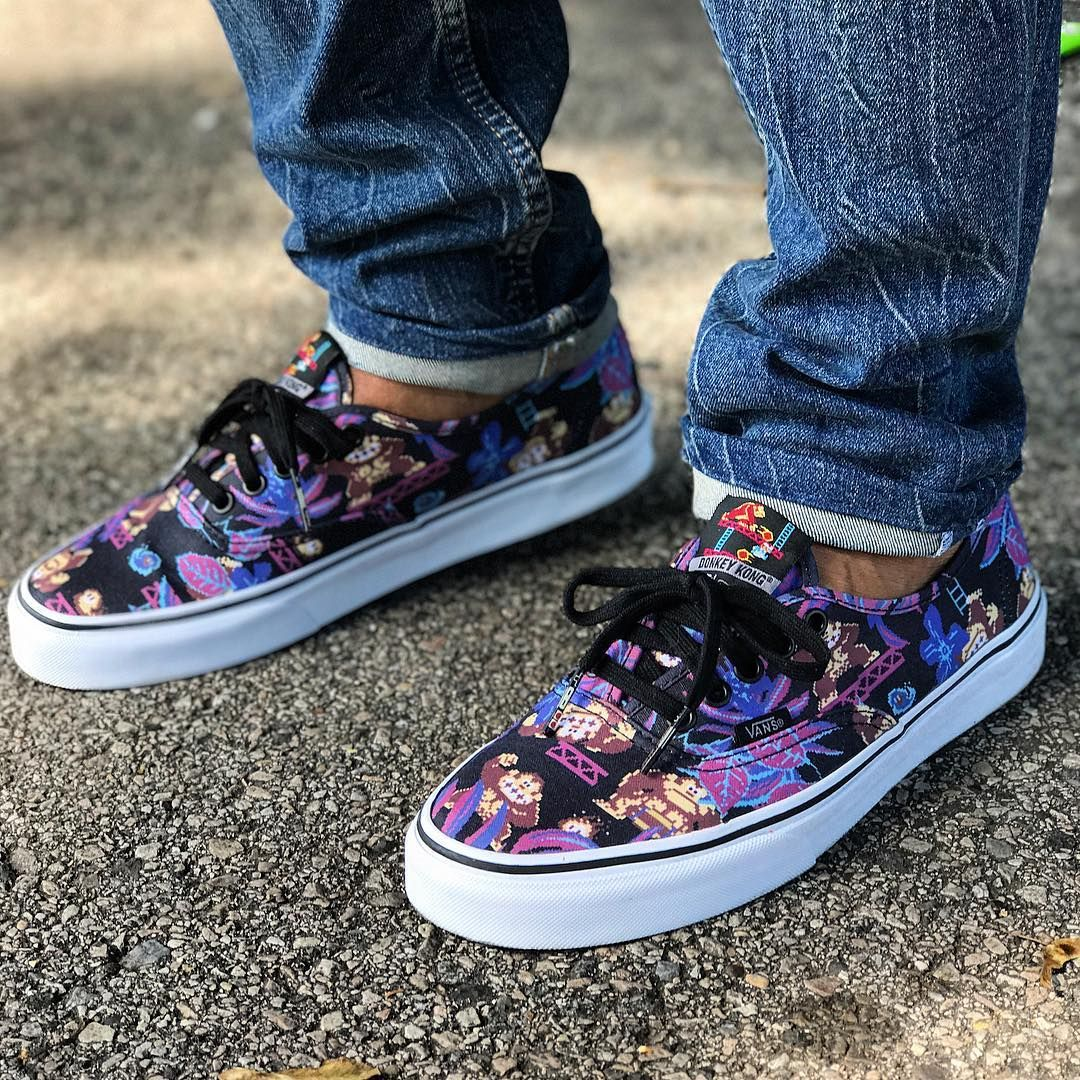 8e05f709c1d284 Nintendo x VANS Authentic