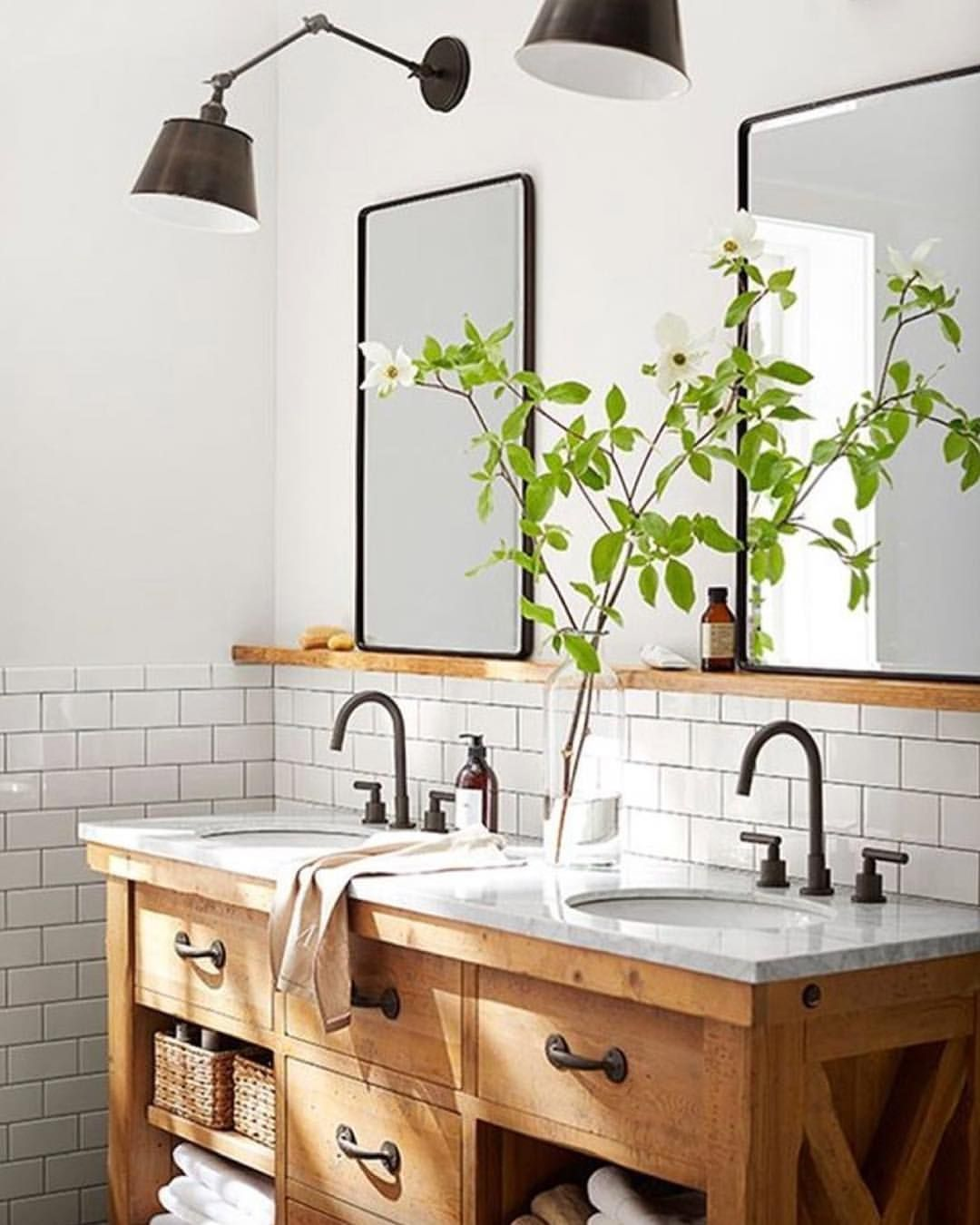 Just loving this whole bathroom set up from potterybarn just