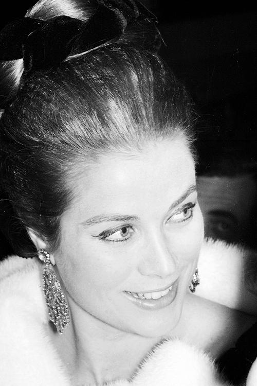 Princess Grace Kelly.....Uploaded By www.1stand2ndtimearound.etsy.com