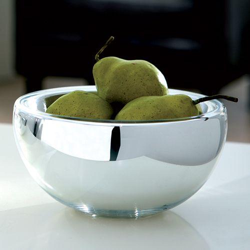 Material: Glas/Silber (Bauernsilber)  Maße: Höhe 9,5 cm, Ø 20 cm  Bauernsilber bezeichnet ein silbrig schimmerndes Glas. Es verleiht den Artikeln eine wunderschöne glänzende und spiegelnde Optik. Das Glas wird doppelwandig geblasen und der entstandene Hohlraum wird innen verspiegelt.