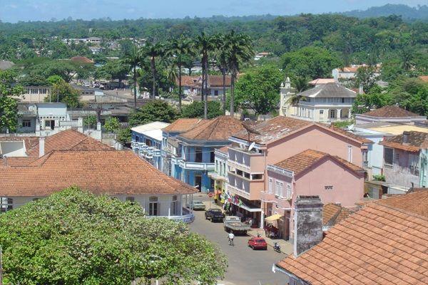 A Cidade de S. Tomé localiza-se na margem nordeste da ilha de S. Tomé, começou a ser construída em 1485 quando os portugueses liderados por Álvaro Caminha ali se instalaram no intuito de explorar a cultura da cana-de-açúcar...  Ler mais - www.stpdigital.net