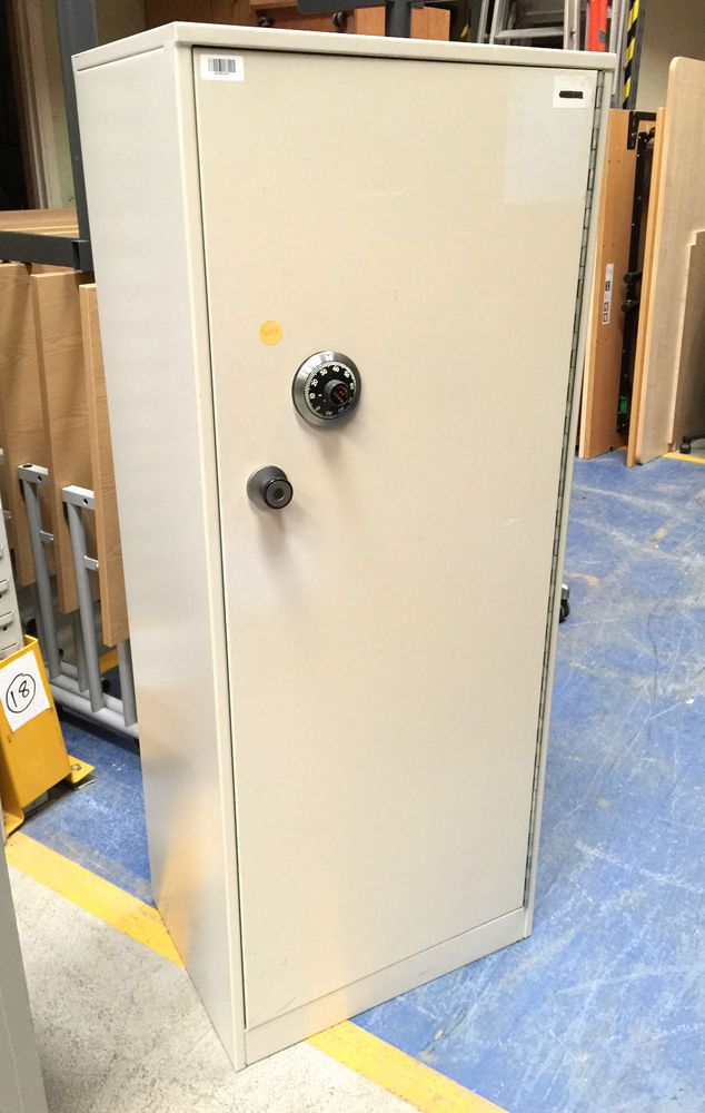 Used Ex-MOD Single Door Security Cupboard / Safe with Chubb Manifoil Lock- SEAP4 & Used Ex-MOD Single Door Security Cupboard / Safe with Chubb ...