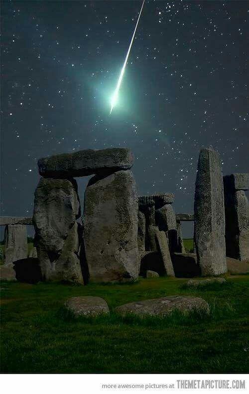 Meteorito sobre Stonehenge