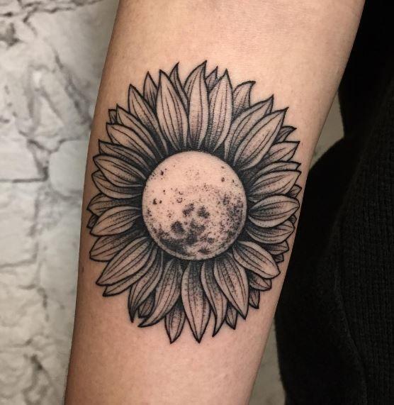 Andreu Matallana Daisy Hip Tattoo Best Pins Tatuajes
