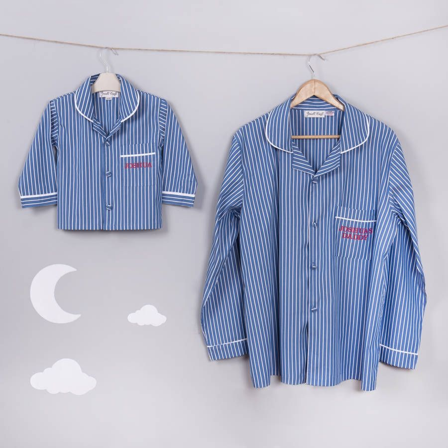This Super Cute Matching pair of Daddy and Me Pyjamas can be expertly personallised with your 'DADDYS' name on the Front Pocket.