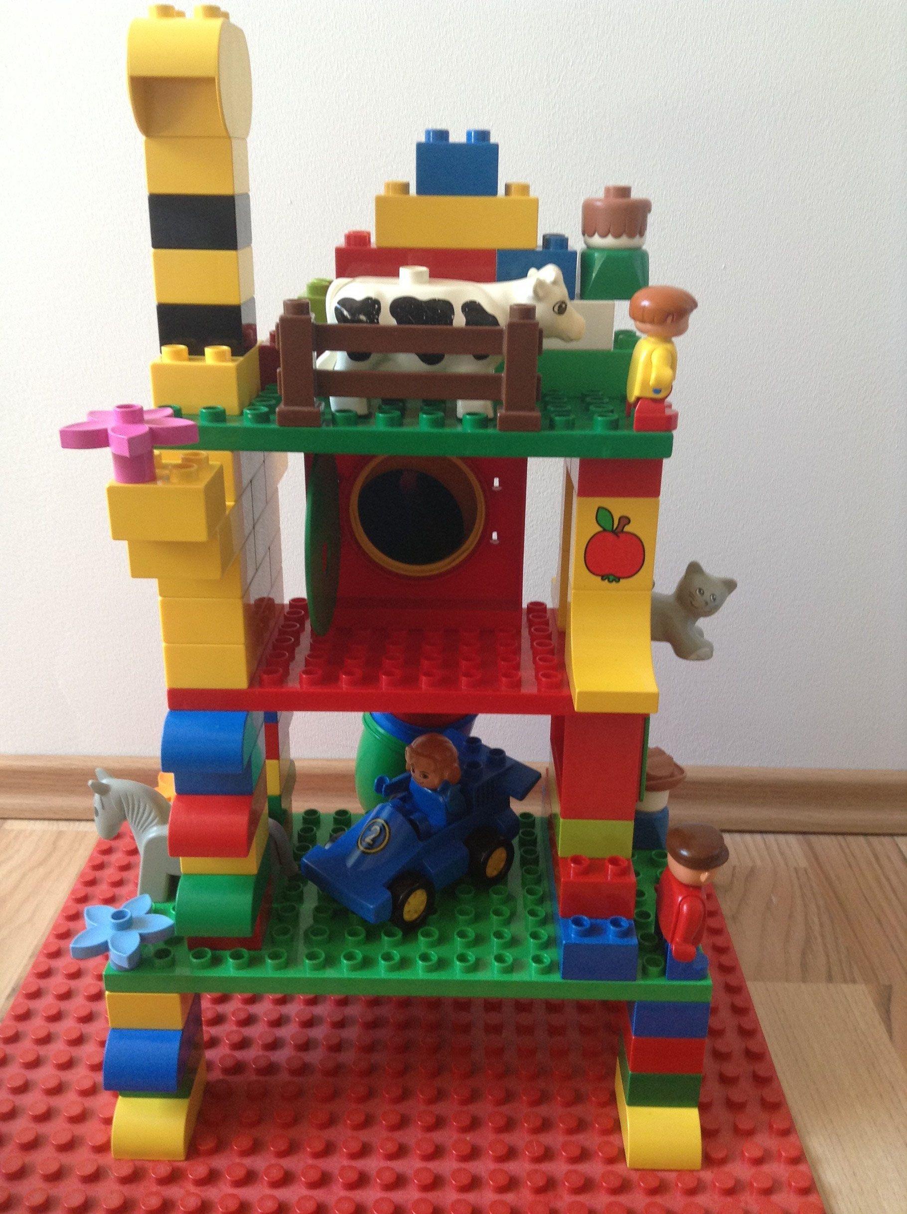 spielhaus aus lego duplo steinen duplonauten bauanleitungen f r lego duplo pinterest. Black Bedroom Furniture Sets. Home Design Ideas