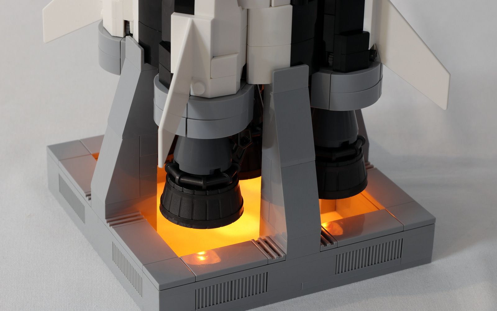 Light And Sound Saturn V Jk Brickworks Lego Lego Projects Lego Plane