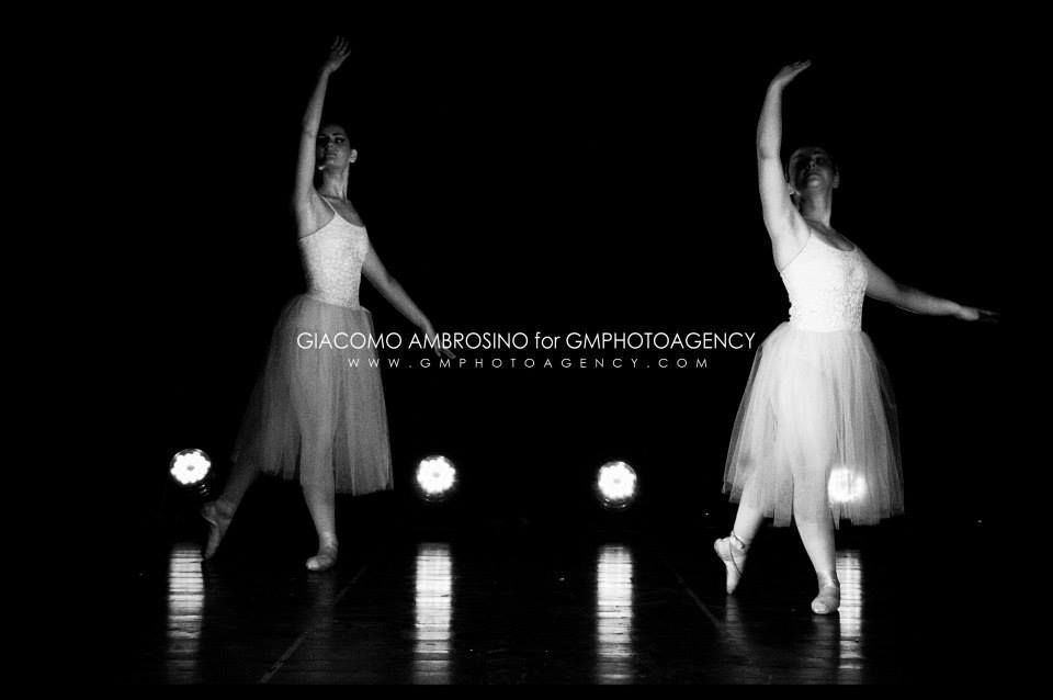   Like dancing butterflies...    #dance #danza #butterfly #eleganza #ballo #ballerine #classica #tacchi #punte #palco #teatri #theatre #giacomoambrosinophotographer #gmphotoagency