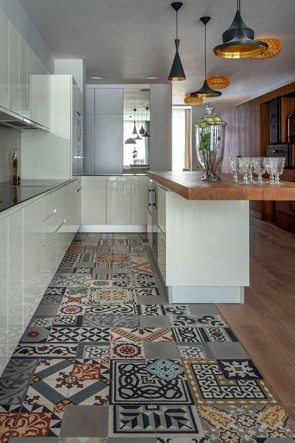 Suelos de madera con baldosa hidráulica en la cocina | Casa ...