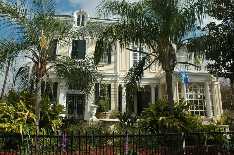 17 Best 1000 images about Garden District Mansions New Orleans on