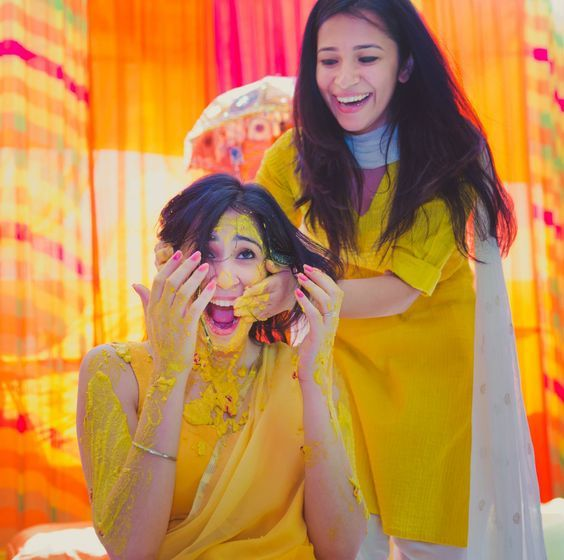 38 Must Try Haldi Ceremony Photoshoot Ideas By Raw Photography Bridal Poses Indian Wedding Photography Wedding Photography Poses