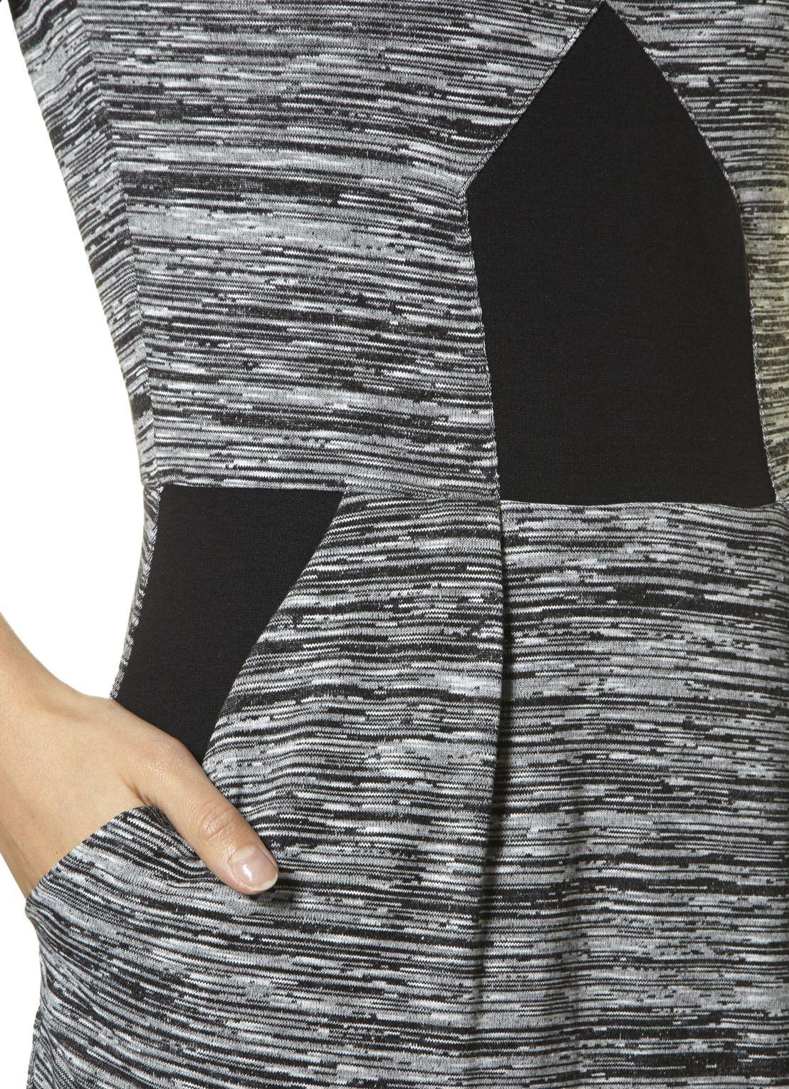 French Connection Strakke jurk met ronde hals • de Bijenkorf