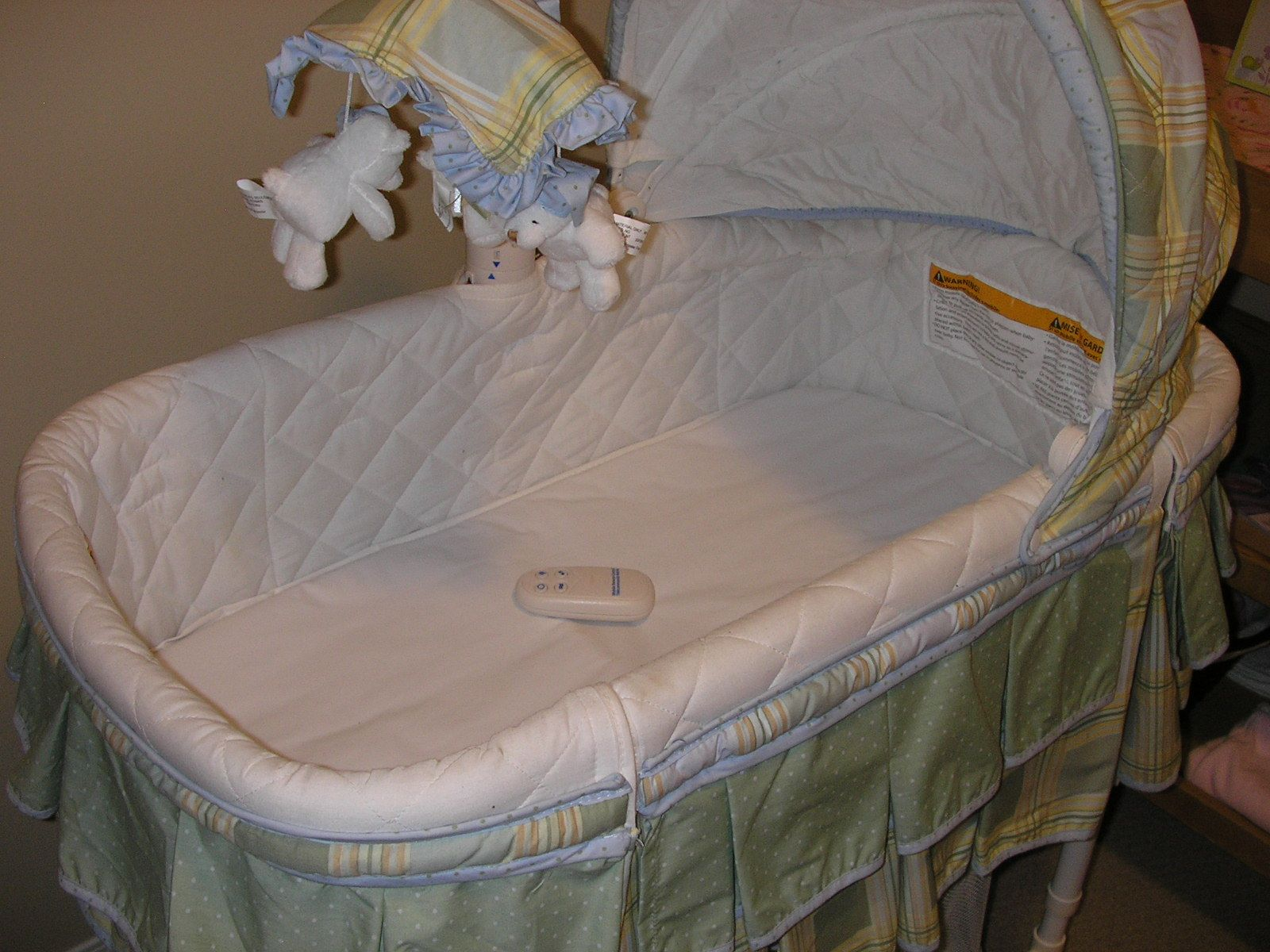 Used crib for sale edmonton - Baby Bassinet In Lexie S Garage Sale In Edmonton Alberta For 80 00 Beautiful Baby Bassinet