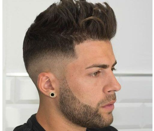 With Round Faces To Men Best Hairstyles 2018 Trends Https Www Menshairstyles2018 Com Round Fa Round Face Men Round Face Haircuts Hairstyles For Round Faces