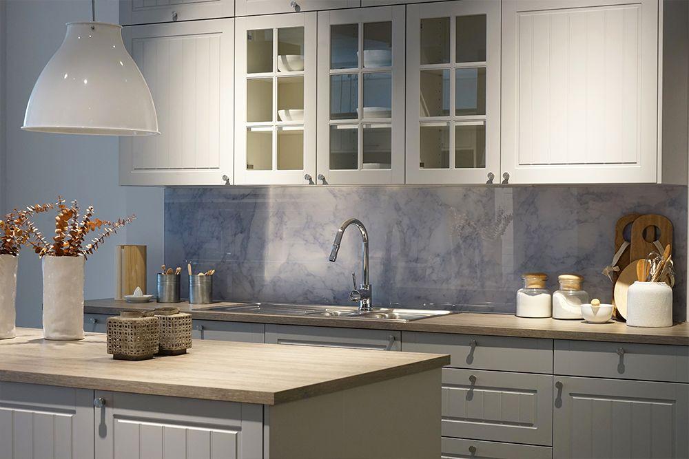 Szklo Do Kuchni Szklany Panel Na Scianie Miedzy Szafkami Learning From Hollywood Home Decor Home Kitchen
