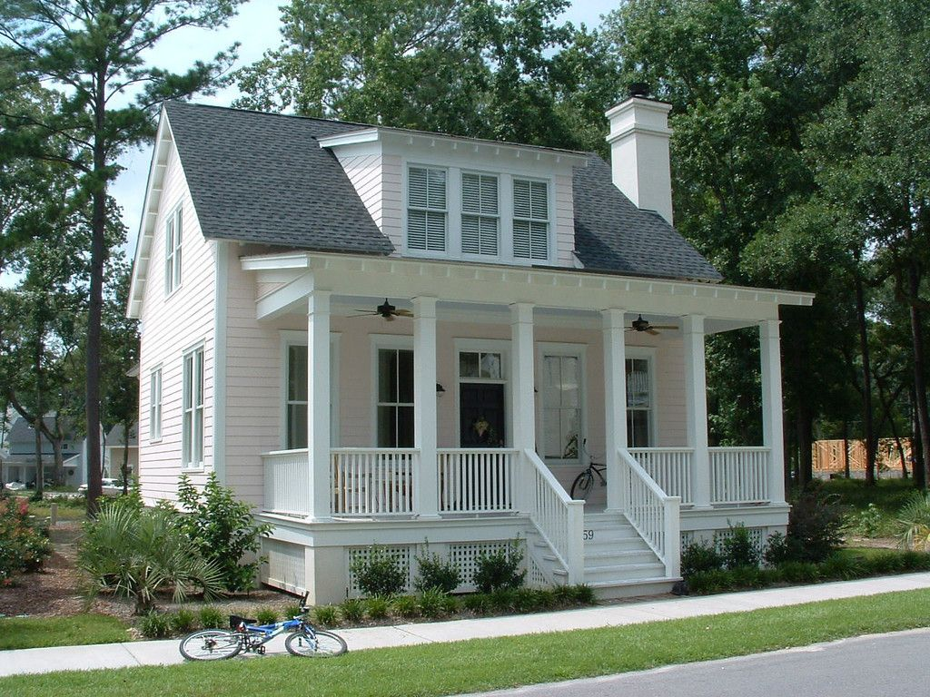 The Wiggins Street Cottage By Allison Ramsey Architects Built At Habersham In Beaufort South Carolina This Plan Is 1783 Heated Square Feet 3 Bedrooms And 2 1 Southern House Plans Beautiful