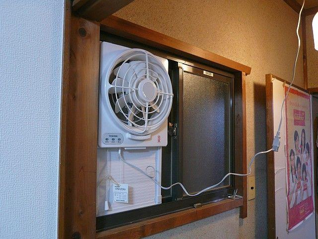トイレの窓用換気 換気 窓 トイレ